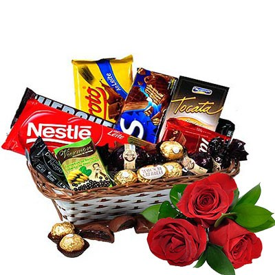 Cesta de Chocolate com Rosas